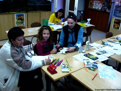 Children enjoy lemur-themed crafts at Miskolc Zoo's Lemur Day. Photo courtesy of Miskolc Zoo.